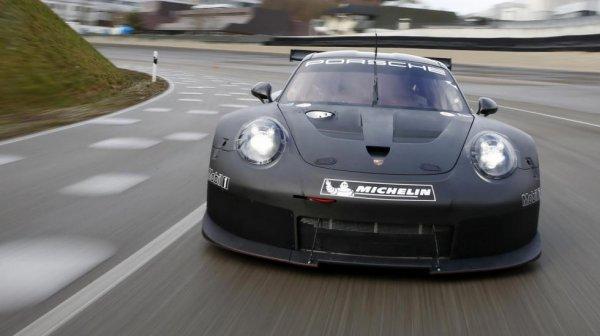 Porsche поделилась эскизом нового гоночного купе 911 RSR