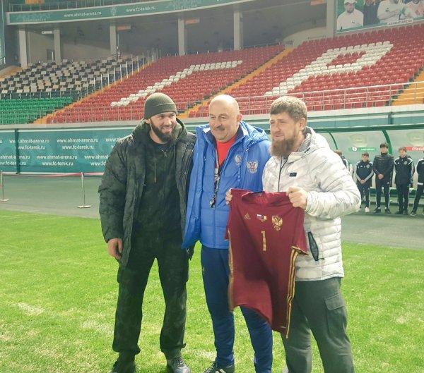 Рамзан Кадыров посетил тренировку сборной РФ в Грозном