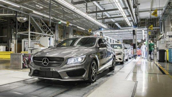 Российские автозаводы уменьшили производство легковых авто на 11%