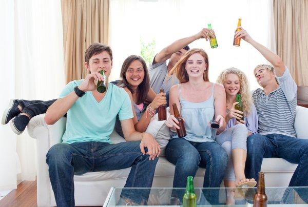 Ученые: Употребление алкоголя подростками негативно отображается на здоровье их детей