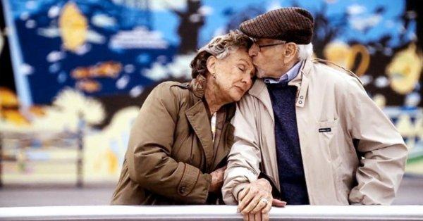 Ученые объяснили, почему женщины жили и будут жить дольше мужчин