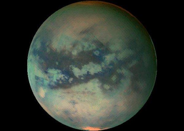 NASA: Титан подходит для жизни переселенцев с Земли