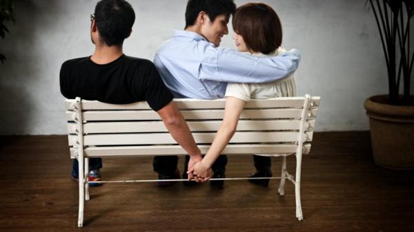 Блогер из Саратова стал популярным благодаря разоблачению измен женщин