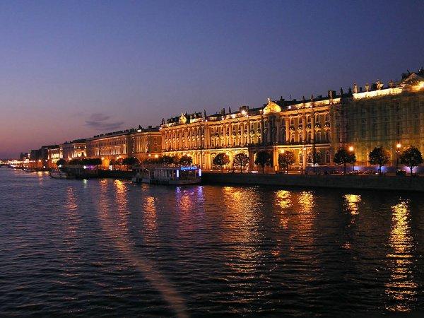 Google показал 30-летнюю историю развития Петербурга