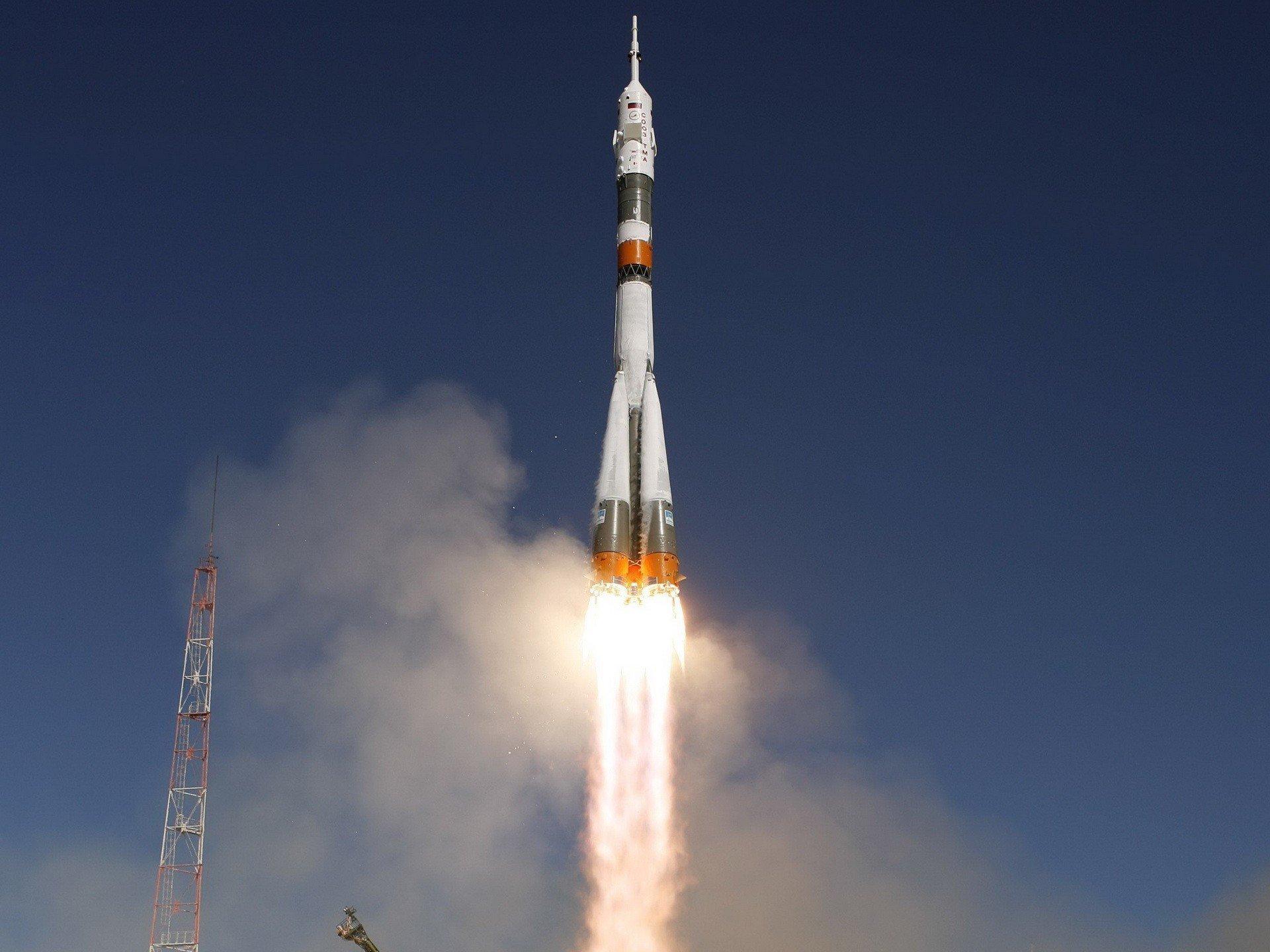 используют термобелье высота ракеты ангара на космодроме готовой к старту другой