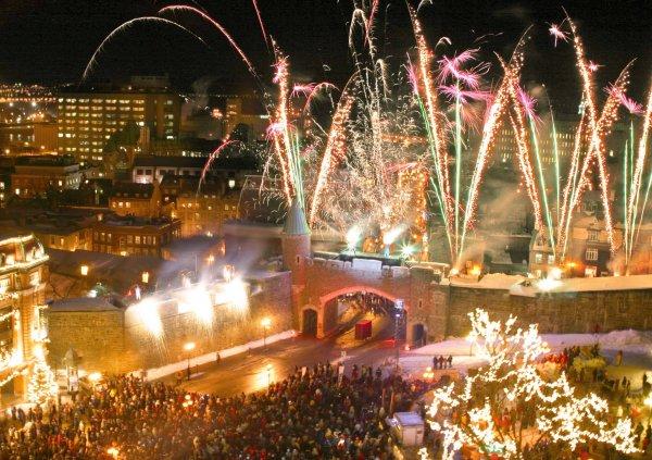 Для некрасивой рождественской ели в Монреале завели собственный Twitter-аккаунт
