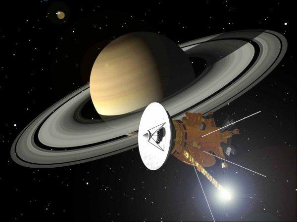 Получены первые снимки Сатурна после пересечения его колец