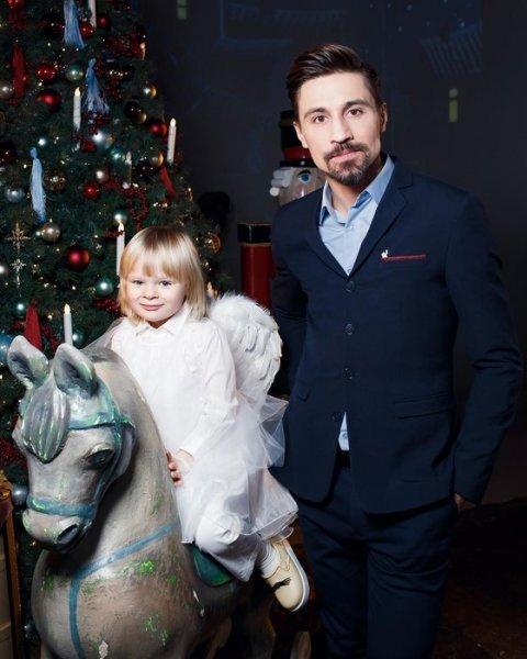 3-летний сын Евгения Плющенко и Яны Рудковской выступит в ледяном шоу