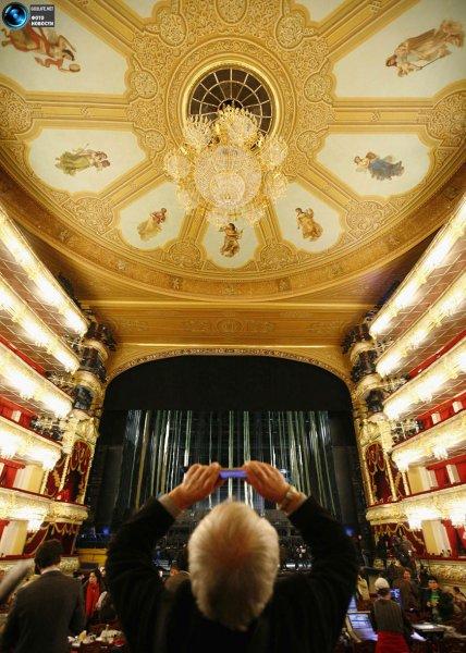 Большой театр провел за год более 1 тыс экскурсий