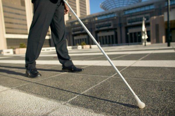 """Ученые: """"Специалисты на дом"""" помогают слепым людям идти на попровку"""
