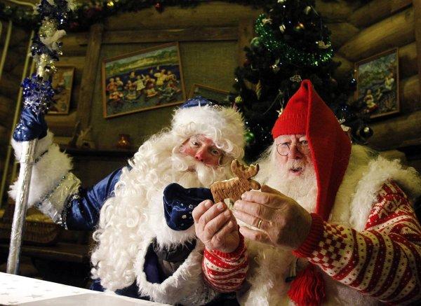 В Санкт-Петербурге перед детьми выступил Дед-Мороз из Норвегии