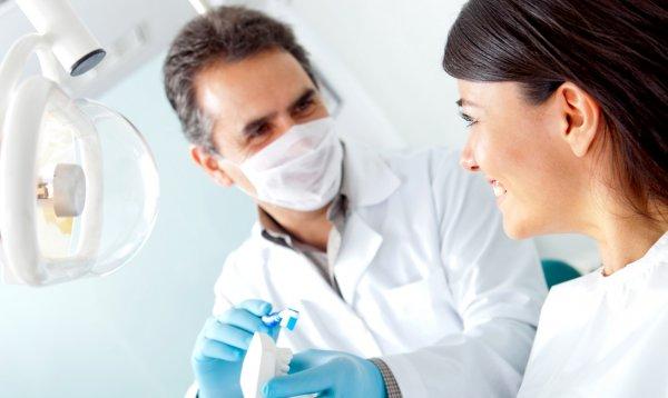 Неприятный запах изо рта может стать причиной разрыва отношений - ученые