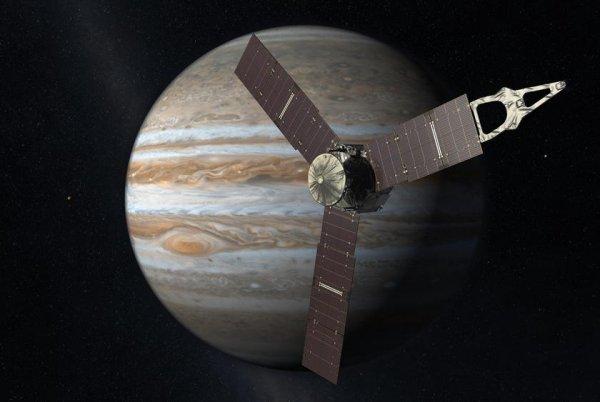 Зонд Juno готовится в третий раз облететь Юпитер