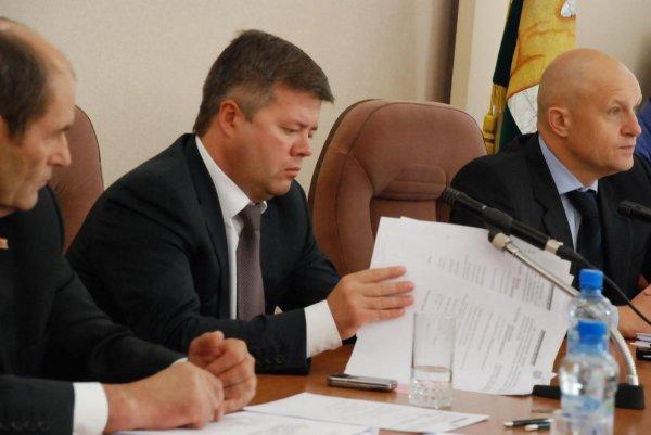 В Челябинске рискованный бюджет 2017 года прошел слушание