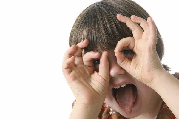 Жестикуляция у детей может говорить о высокой одаренности - ученые
