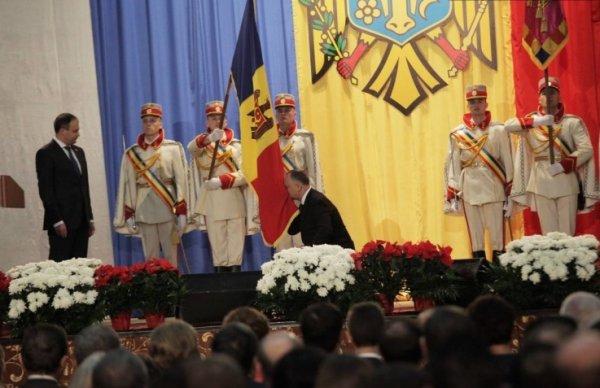 Додон приступил к обязанностям президента Молдовы