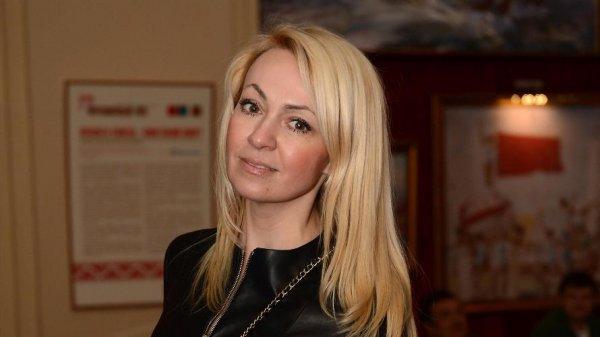 Яна Рудковская не стала отменять шоу Плющенко из-за объявленного траура