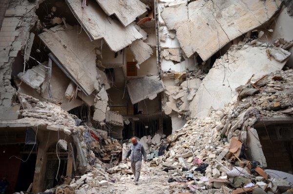 Сотни мирных активистов из Германии начали пеший ход до Алеппо