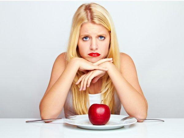 Ученые: Строгие диеты приводят к алкоголизму