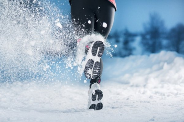 Эксперты рассказали, как заставить себя полюбить зимнюю пробежку