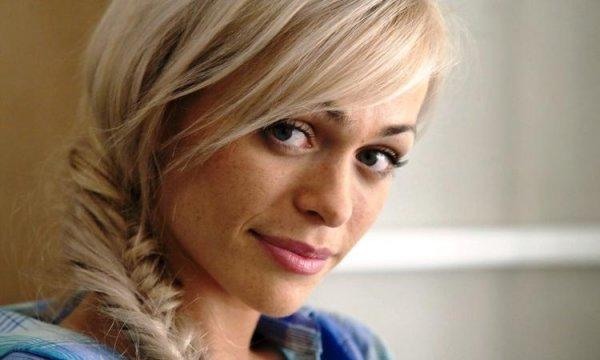 Звезда сериала «Универ» Анна Хилькевич уедет с родственниками в Таиланд