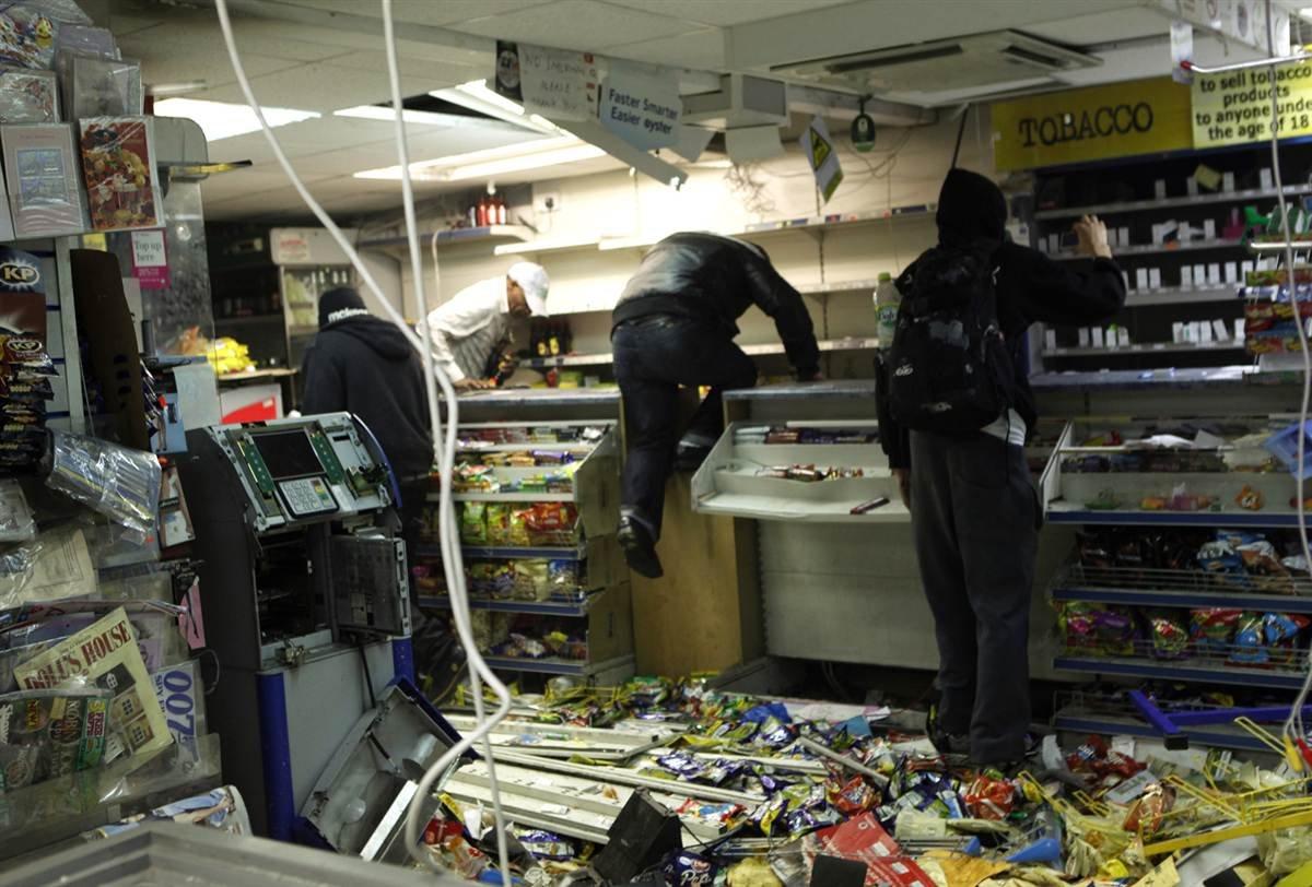 краже со взломом в магазине переделали