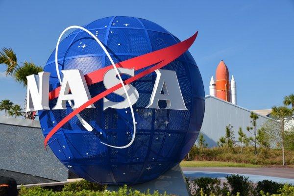 NASA планирует отправить две экспедиции для изучения космоса