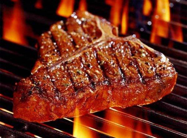 Жареное мясо повышает риск смерти после преодоления рака молочной железы