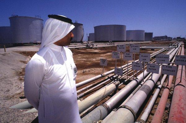 СМИ: Саудовская Аравия сократила добычу нефти