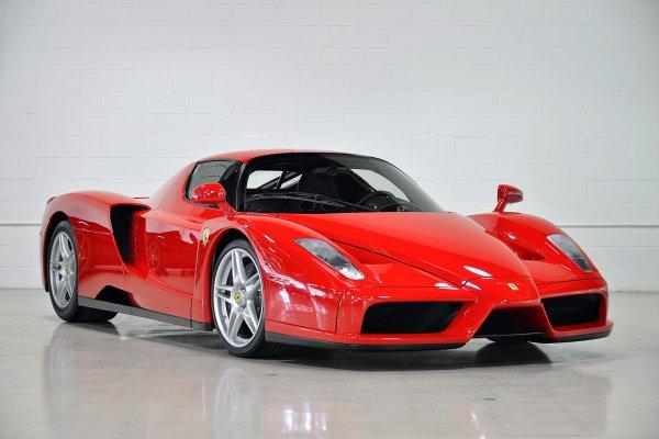 Во время аукциона Ferrari Enzo был оценен в 3,9 миллиона долларов