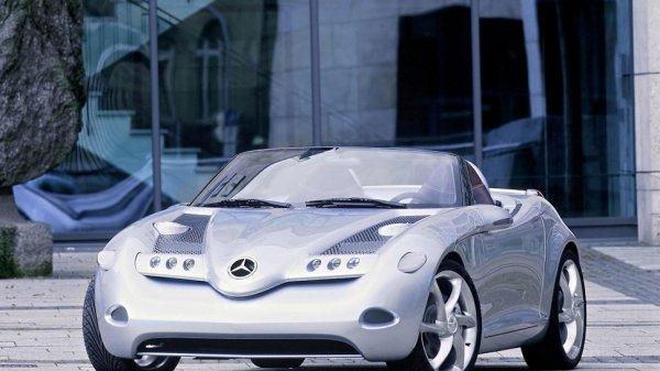 Mercedes-Benz в 2018 году выпустит переднеприводной SLA родстер