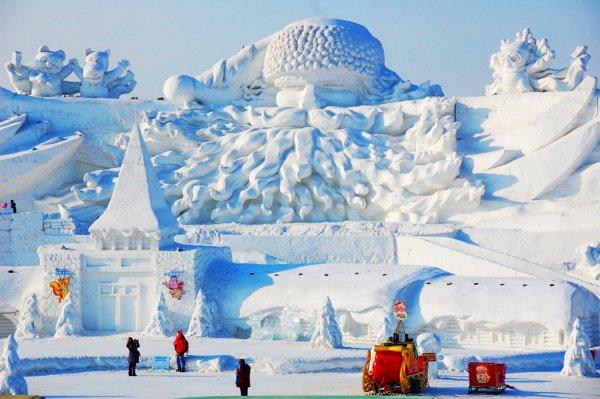 Фестиваль Харбинского покажет сказочные фигуры из льда и снега
