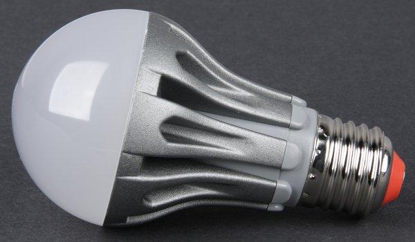 Учёные сообщили об опасности светодиодных ламп для глаз