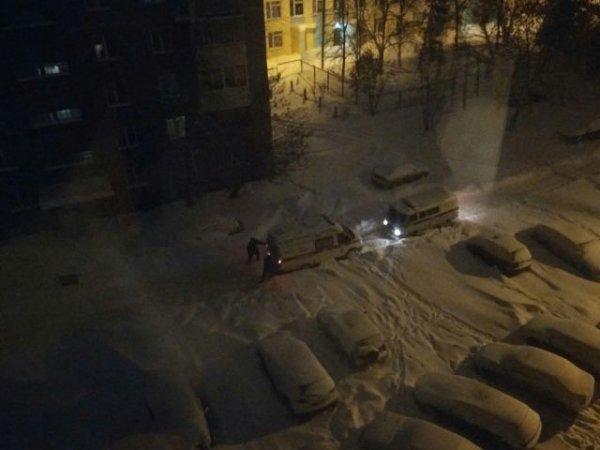 В Уфе машины «Скорой помощи» застревают в снежных заносах