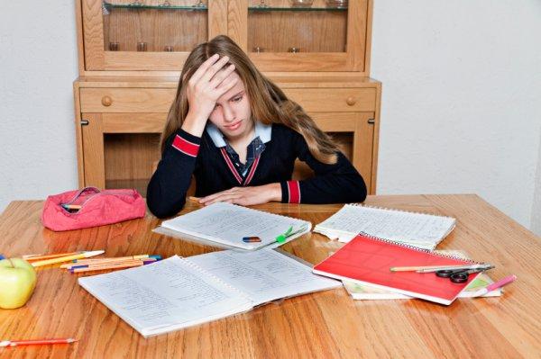 Ученые: Старшеклассникам из-за стресса сложно учиться
