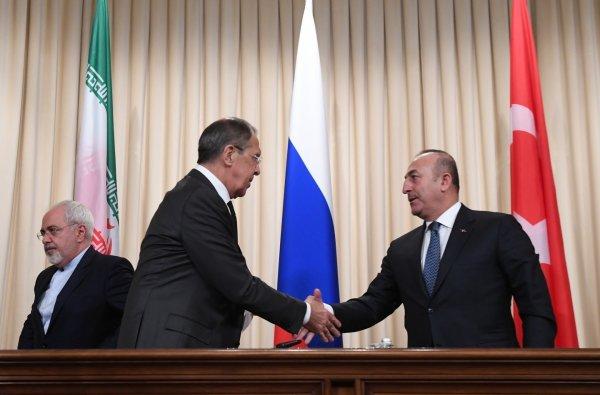 Лавров и Чавушоглу обсудили подготовку переговоров в Астане