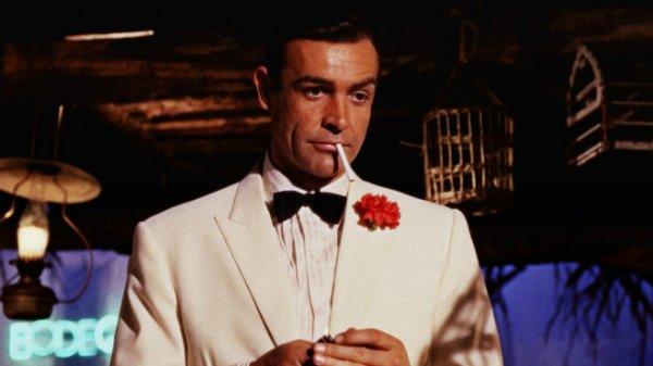 Просмотр фильмов про Джеймса Бонда провоцирует желание курить