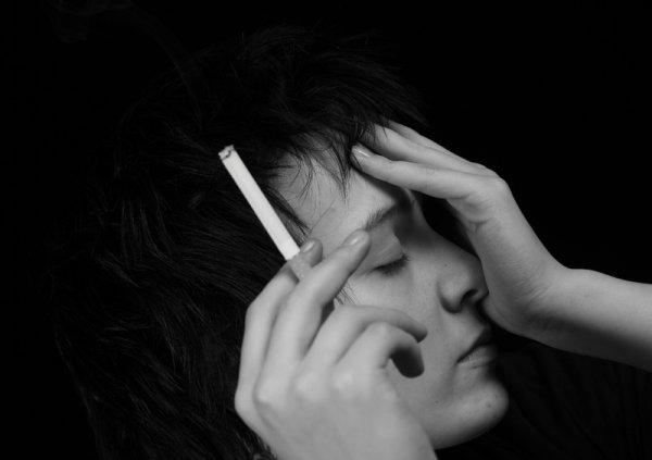 Ученые: Отказ от курения помогает победить депрессию
