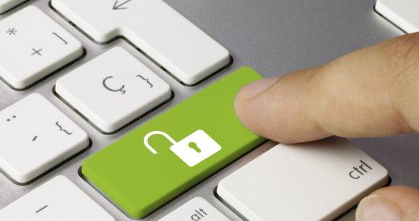 """Google угрожает обозначить российские сайты как """"небезопасные"""""""