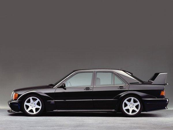 Mercedes 1990 года продана на аукционе в США по цене суперкара