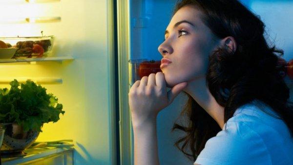 Ученые: Ночные перекусы ухудшают память
