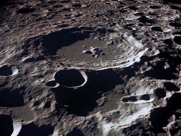 Ученые нашли на Луне кислородные «следы»