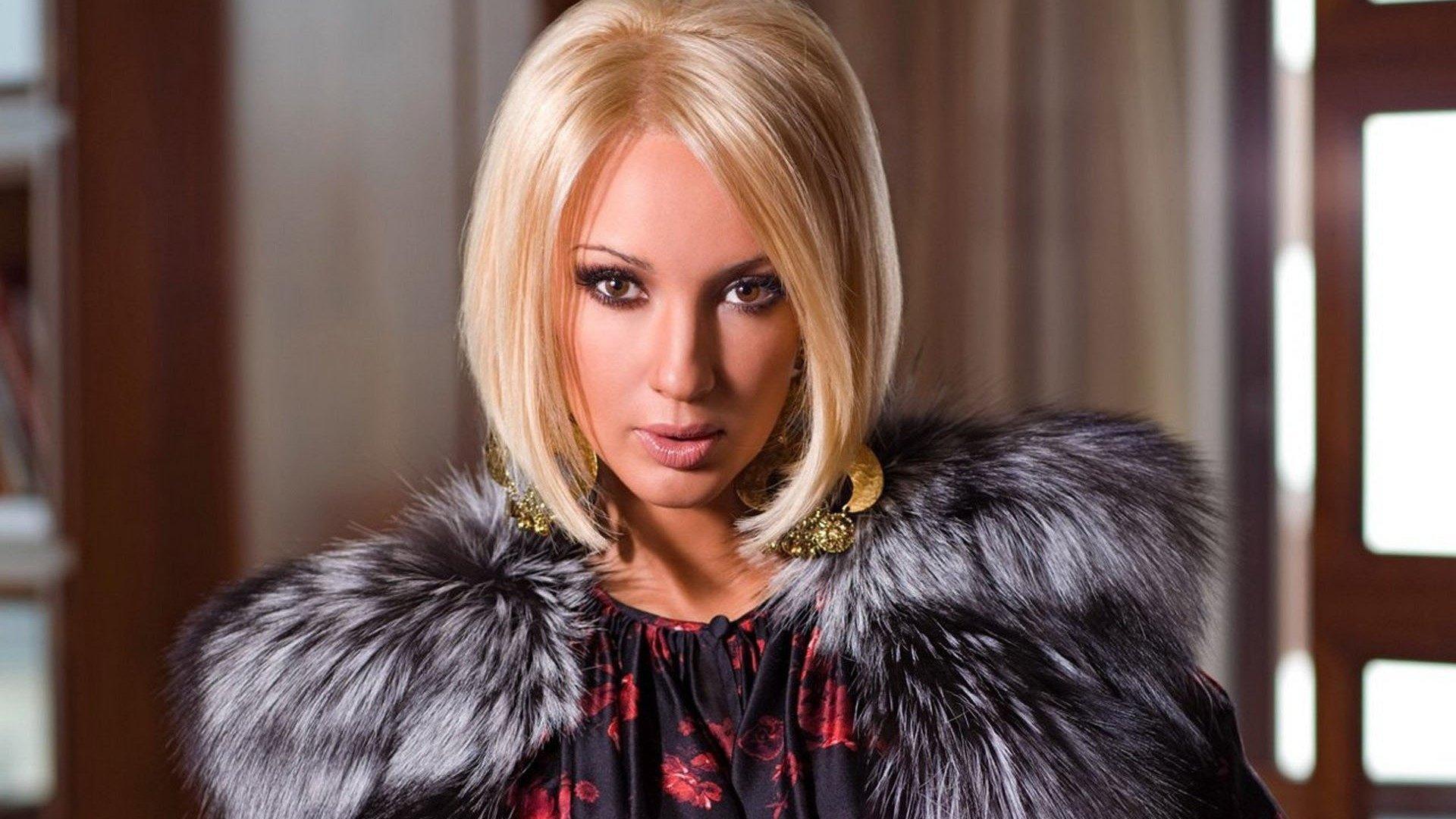 Лера Кудрявцева сообщила, что неприбегала ккосметическим ипластическим процедурам