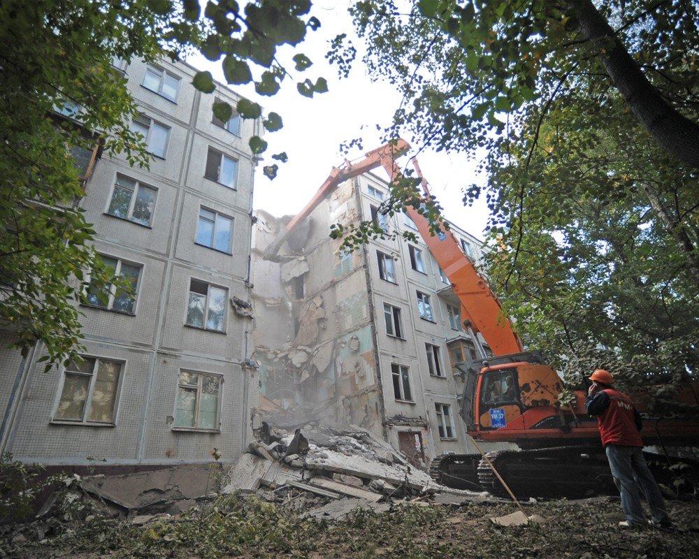 Путин иСобянин обсудили реновацию жилых кварталов в столицеРФ