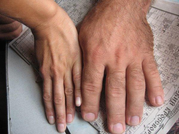 Учёные рассказали, как определить по пальцам будущие доходы ребёнка