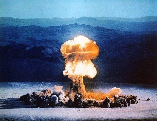Эксперты указали основные отличия взрывов атомной и ядерной бомб