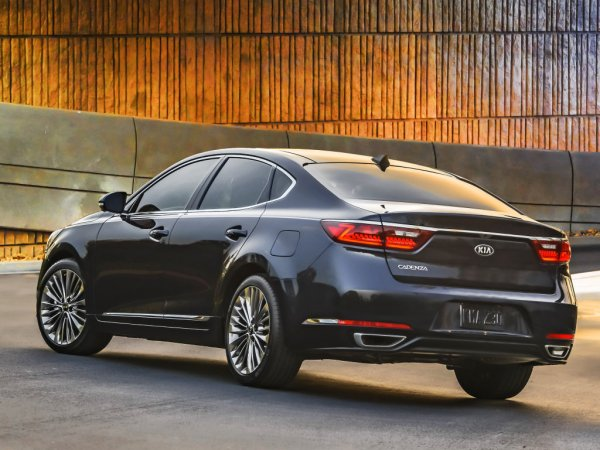 Автомобили KIA повысили корпоративные продажи в России на 22%
