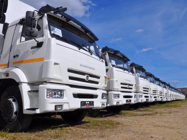 «КАМАЗ» в 2016 году заполнил своей продукцией половину грузового авторынка РФ