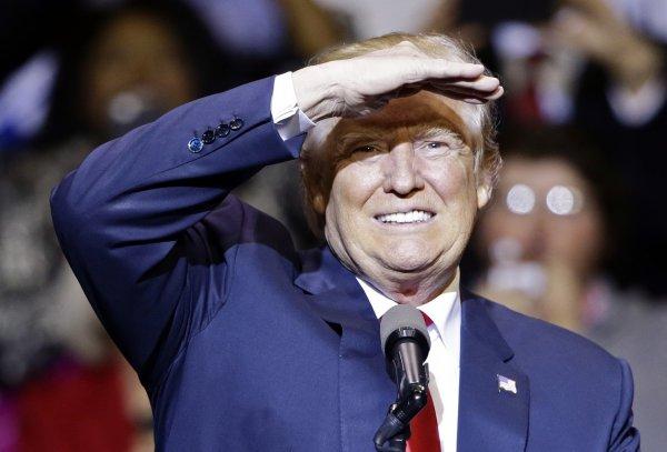 В Сети разоблачили Трампа, раскрыв тайну личности