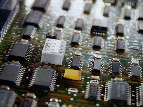 Ученые рассказали, как заставить компьютер работать в 10 тысяч раз экономичнее